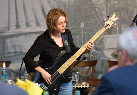 anne-bass
